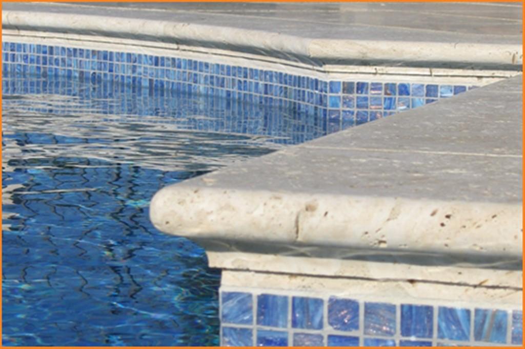 Travertine Bullnose Light Pool Coping 30 5x61x3 Cm